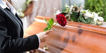 La Cour des Comptes épingle les pompes funèbres