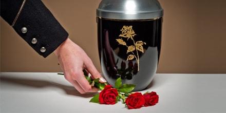 Pourquoi la crémation est-elle souvent plus chère que l'inhumation ?