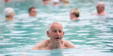Seniors : il n'est pas trop tard pour apprendre ou réapprendre à nager