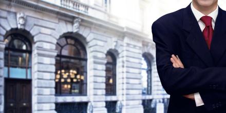 Banque ou courtier : comment choisir ?