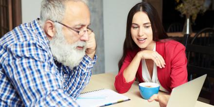 Seniors : la cohabitation intergénérationnelle encadrée par la loi Elan