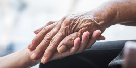 Assurance dépendance : les points à vérifier avant de souscrire