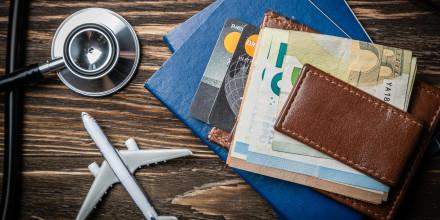 Banque, assurance, auto, santé, téléphone : 6 précautions à prendre avant de partir en vacances